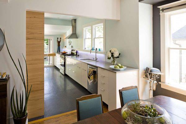 кухня модерн без верхних шкафов