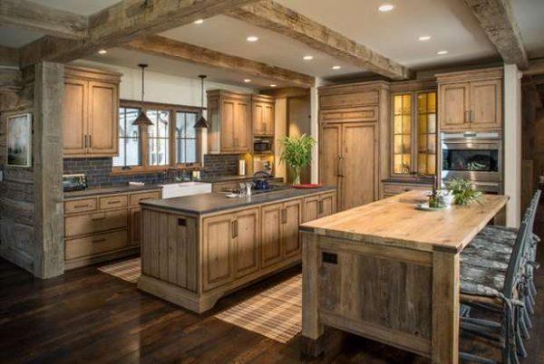 полы деревянные на кухне в стиле шале