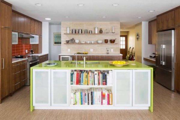 зелёная столешница в интерьере кухни