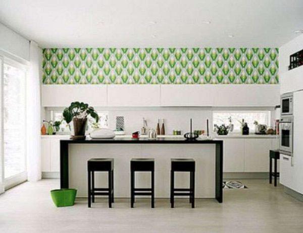 зелёные обои в интерьере кухни