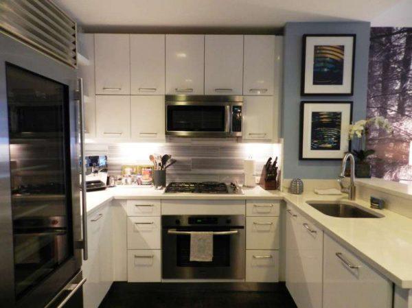 маленькая кухня п-образная