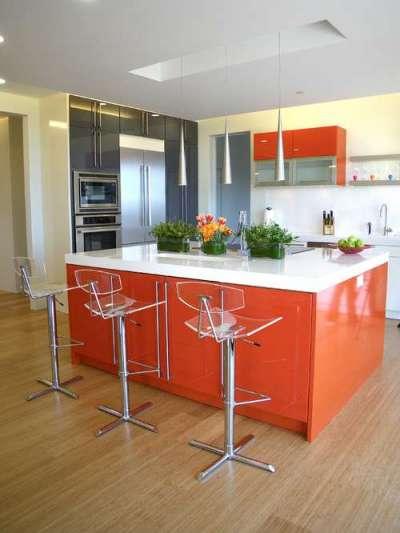 оранжевый на кухне