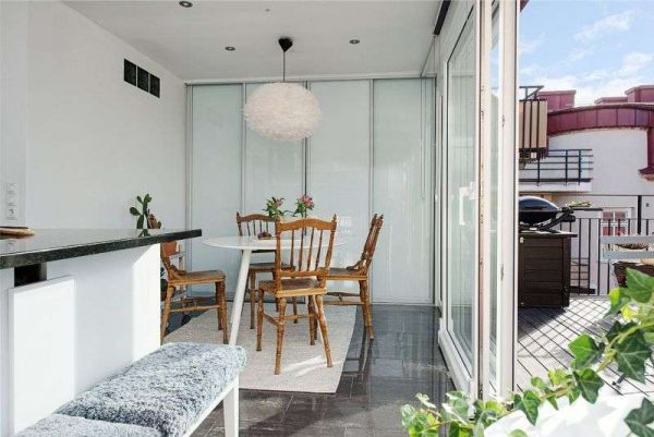 балкон на кухне гостиной