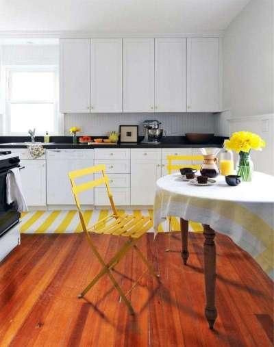 интерьер кухни с жёлтыми акцентами