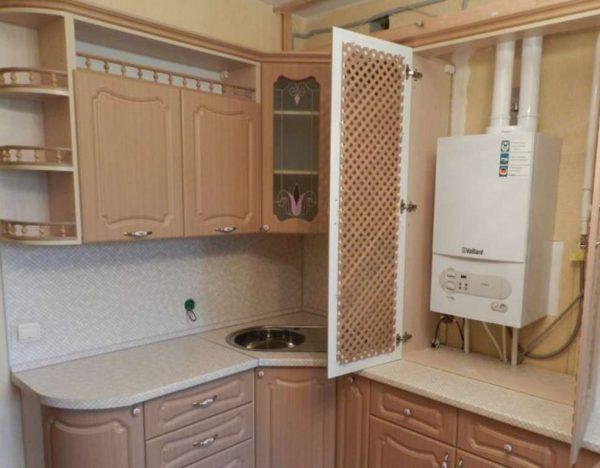 интерьер кухни с газовым котлом в классическом стиле