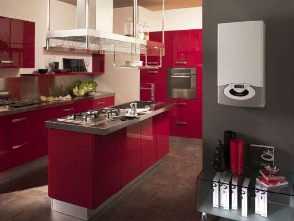 современный газовой котёл на кухне