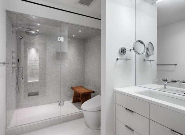 перегородка в интерьере маленькой ванной комнаты