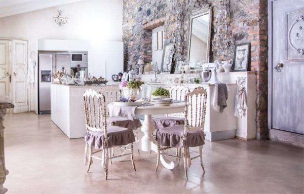сиреневый цвет в интерьере кухни в стиле прованс
