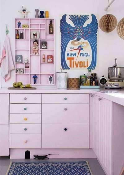 сиреневый цвет на кухне в стиле поп арт