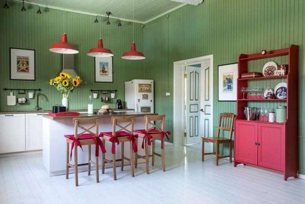 островная кухня в дачном домике