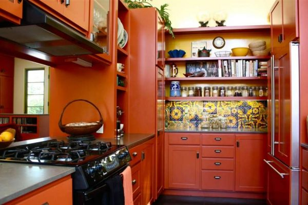 тёплый оранжевый на кухне