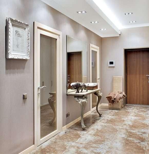 мрамор на полу прихожей в доме