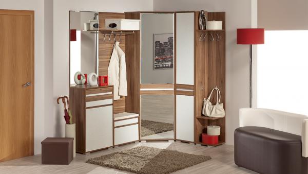 модульная мебель в интерьере прихожей в частном доме
