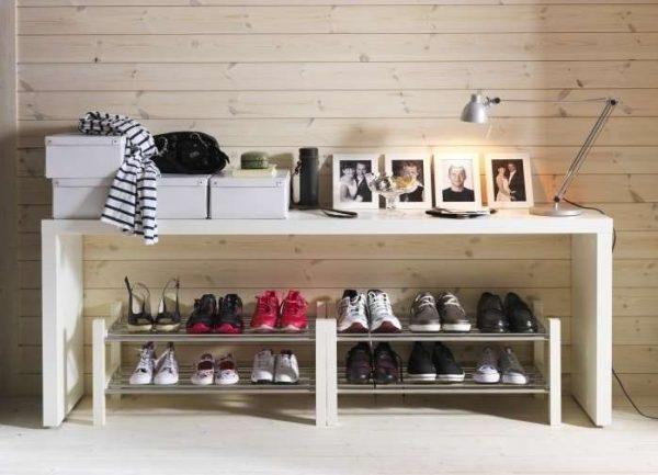 обувные полки в прихожей частного дома