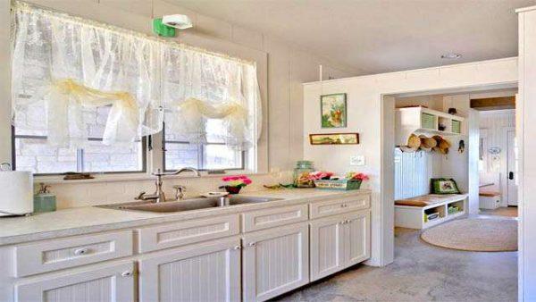белая кухня у окна своими руками