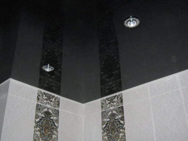 интерьер ванной в хрущёвке с натяжным потолком