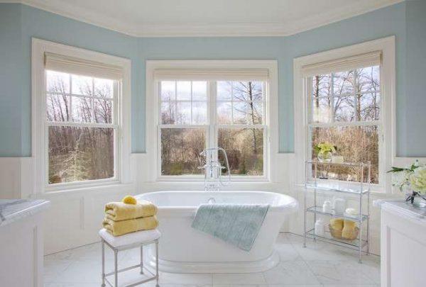краска и деревянные панели в отделке ванной