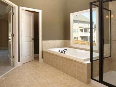 двери из мдф в интерьере ванной комнаты