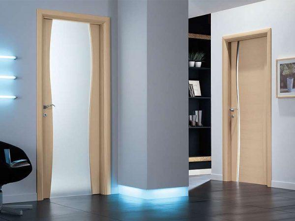 пластиковые двери в интерьере ванной комнаты