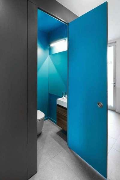 двери пвх в интерьере ванной комнаты