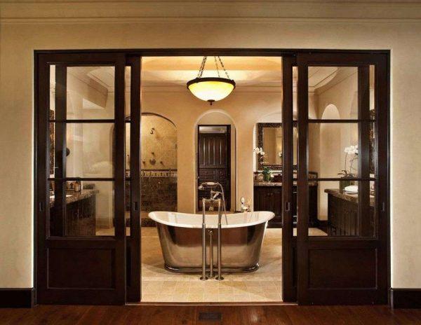 раздвижные двери в интерьере ванной