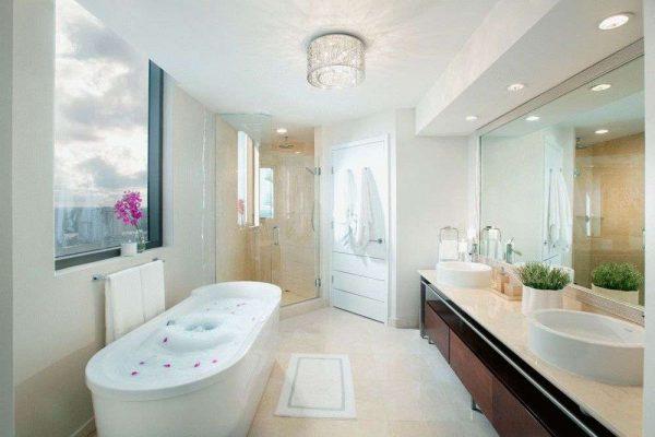 двери пвх в ванной комнате