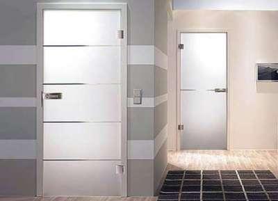 стеклянные двери в интерьере ванной