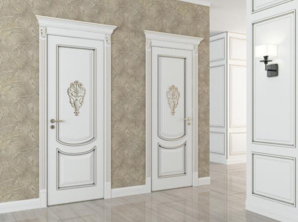 двери в интерьере ванной в классическом стиле