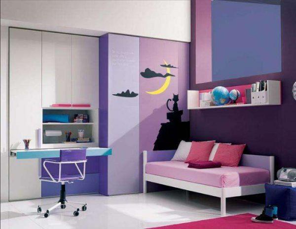 фиолетовый в комнате девочки