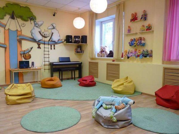 зона игр в интерьере комнаты девочки