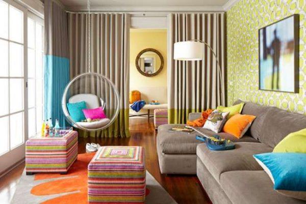 угловой диван в комнате девочки