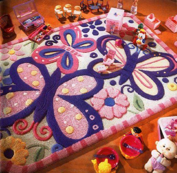 ковер для детской комнаты с бабочкой