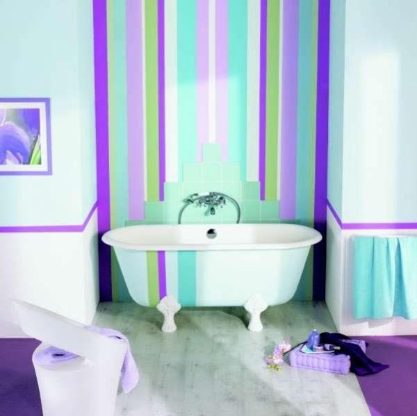 интерьер ванной комнаты с резиновой краской