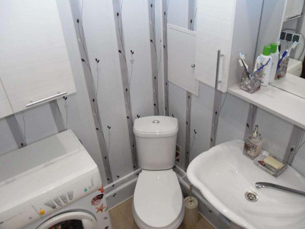 интерьер маленькой ванной со стиралкой
