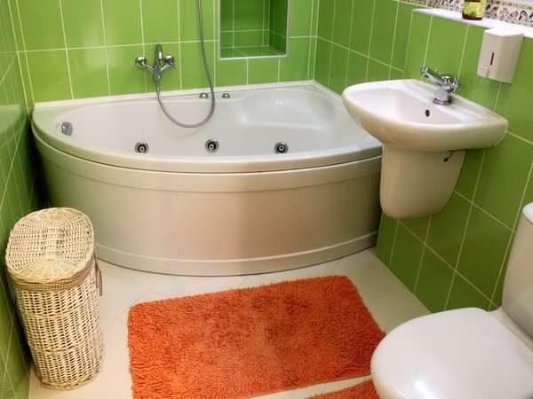 компактное размещение в маленькой ванной