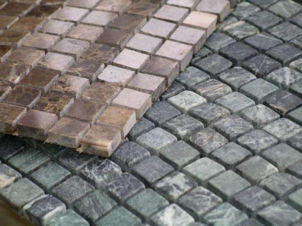 мозаика из натурального камня в ванной