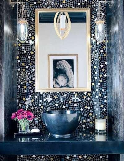 рисунок из мозаики в ванной комнате