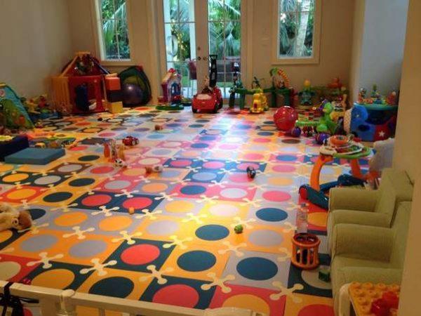 мягкий пол в детской комнате