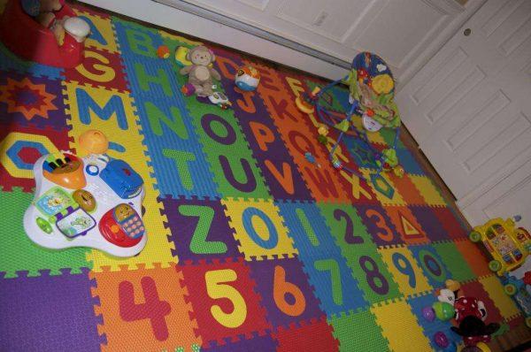мягкие пазлы на пол с алфавитом и цифрами