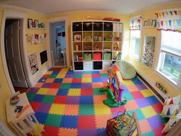 мягкий пол в детскую комнату