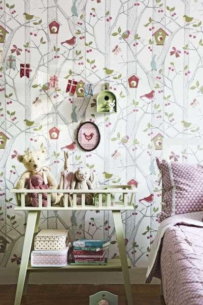 обои с растительным орнаментом для комнаты девочки