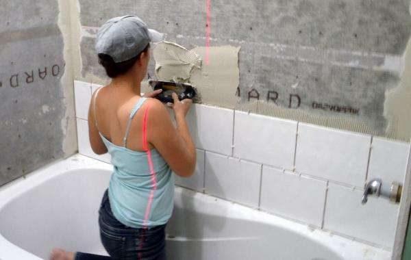 укладываем плитку вокруг ванной