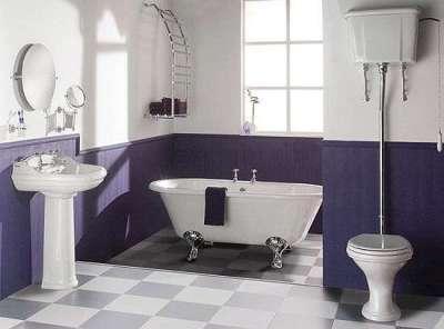 окрашенные белые стены в ванной