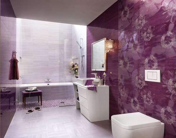 фиолетовая плитка в интерьере ванной комнаты
