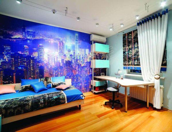 шторы на люверсах с подхватом в комнате мальчика
