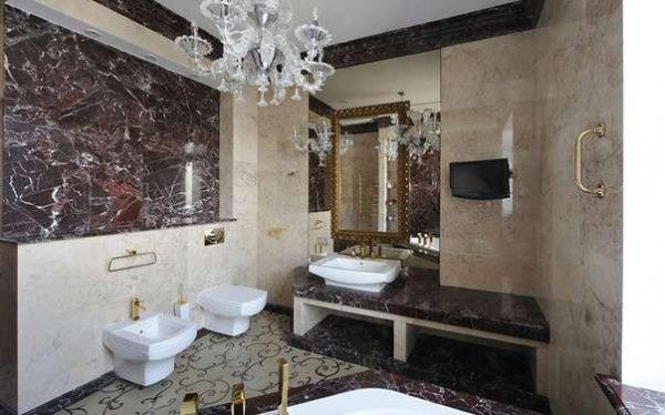 плитка из искусственного камня в ванной комнате