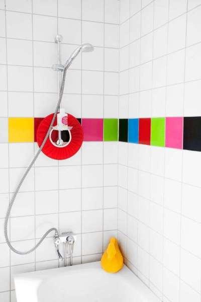 яркая плитка в ванной