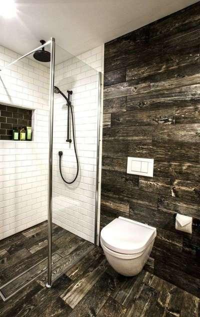 унитаз в ванной на стене