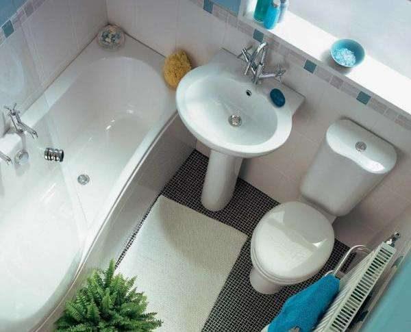 дизайн ванной с унитазом и раковиной