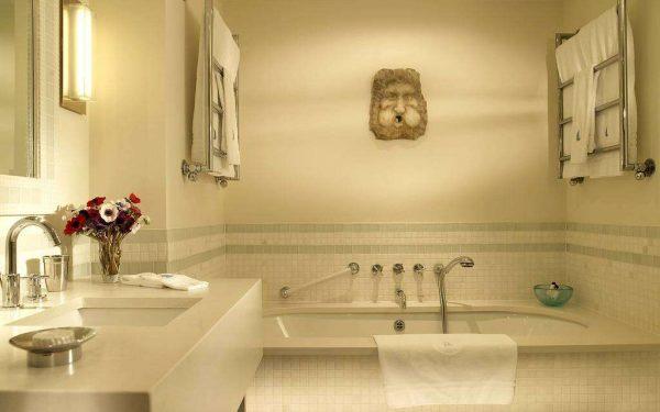 бежевый интерьер ванной комнаты